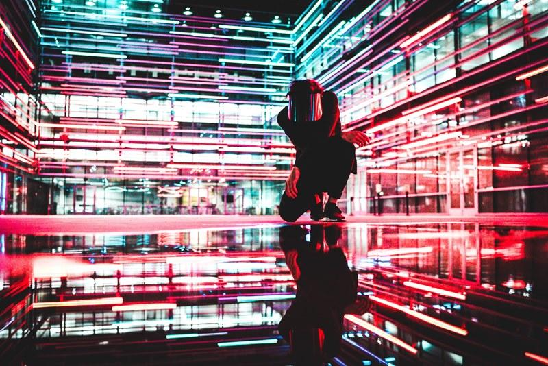 inovasi artificial intelligence atau kecerdasan buatan dalam pengembangan produk atau application development indonesia